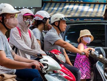 Bạn đã vệ sinh mũ bảo hiểm đúng cách ?