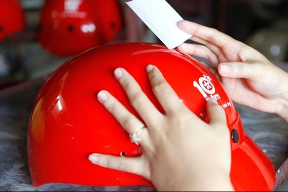 Miễn phí về mẫu mã, thiết kế tem nón bảo hiểm
