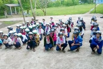 Thắng Lợi bảo vệ giấc mơ đến trường của trẻ em nghèo
